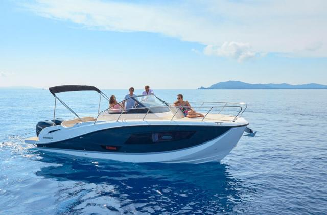 Quicksilver Activ 875 Sundeck + 250 PS