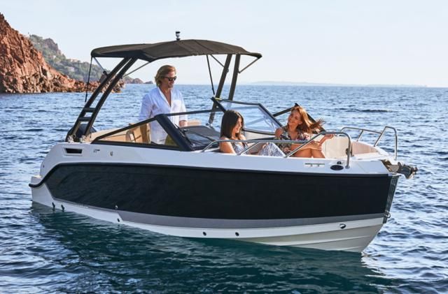 Quicksilver Activ 675 Bowrider + 150 PS + Trailer